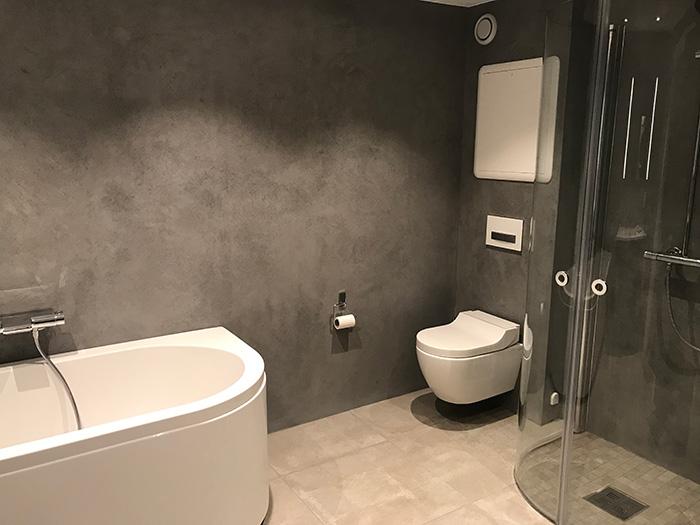 Mikrosement på bad - både på vegger og gulv - glatt overflate
