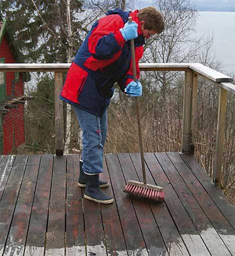 La terrasserensen virke i ti minutter, gå over med skurekost