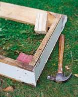 Mål vinduets lang- og kortside og sag til plankebitene