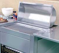 Rustfritt stål er lett å holde rent og det tåler å stå ute.