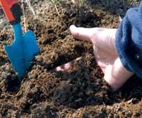 Kompostbingen gir deg fullgodt jordforbedringsmateriale.