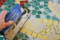 Salong med sofaer og puffer er god å ty til ved selskapeligheter hos Thor Halvorsen.