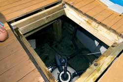 Inspeksjonsluken gir adkomst til pumpe og renserianlegg.