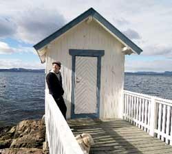 Erik Huslænds badehus er et yndet samlingsted for familie og venner på varme sommerdager.