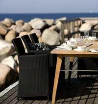 Sct. Thomas-serien fra Skagerak representerer de nye komfortable utemøblene. Foto: Skagerak.