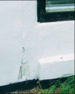 Tjek ydermuren for revner m.m. og reparer hurtigt.