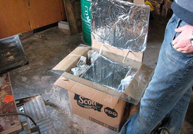 Byg en pizzaovn ud af en pap kasse