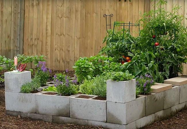 10 smukke og praktiske bud på højbedet til din have