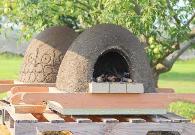 Unik pizza ovn lavet på cob metoden