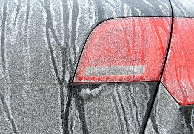 Geniale tricks: Sådan får du bilen sikkert gennem sne og frost