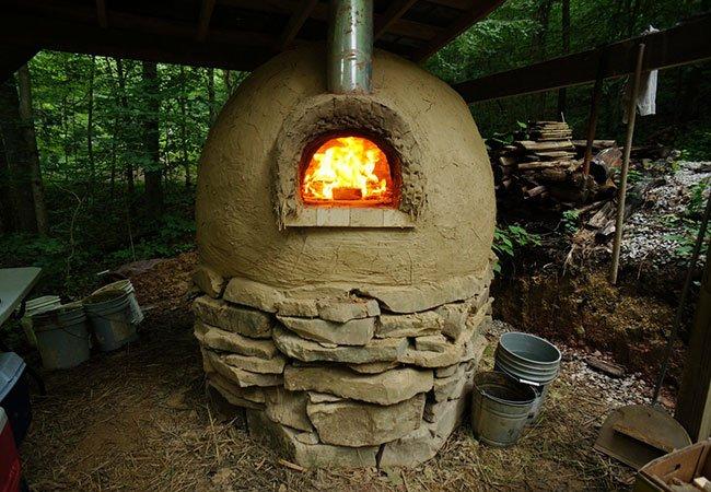 Pizzaovn lavet på cob metoden