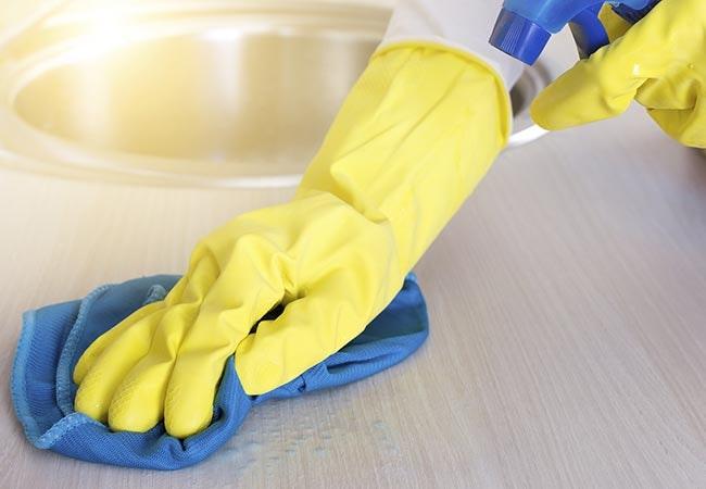 Disse rengøringsmidler skal du ALDRIG blande