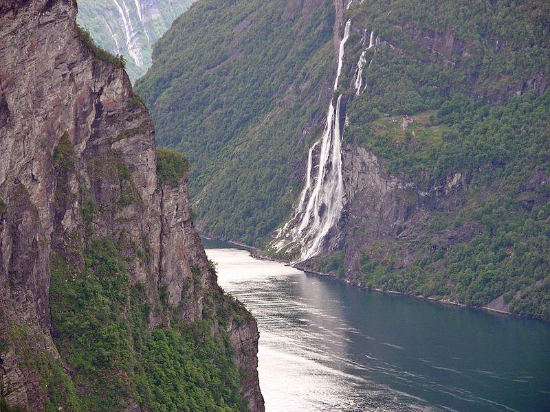 Norsk Natur - De syv Søstre, vandfald