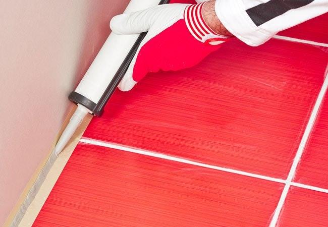 Effektiv rengøring af silikonefuger