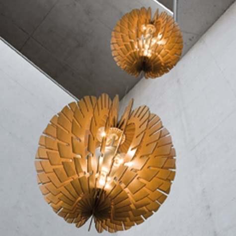 Naturen er en tydelig inspirasjonskilde hos mange leverandører, denne lampen er fra Designbelysning.no.