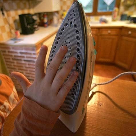 Har du latt strykejernet stå på? En tidsbryter kan hjelpe deg å slå av strykejernet i tide.