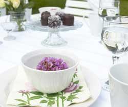 Bruk naturens gaver for å skape en hyggelig stemning rundt bordet.