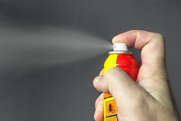 Sprayflaske med gift