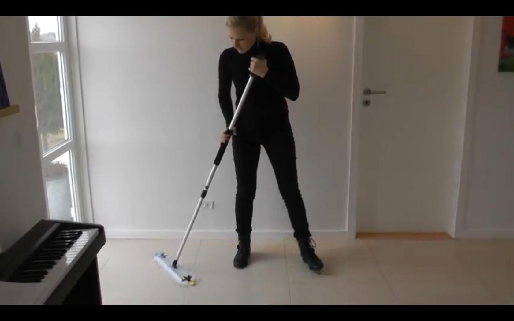 Louise Grønhøj, Rengøring og rengøringsmidler, beskidte fuger mellem klinkerne