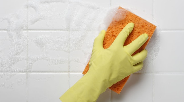 Fjern kalk på badeværelse