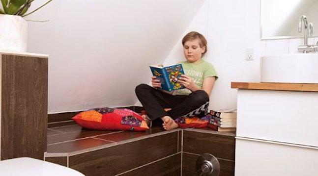 Få en bænk med indbygget varme på badeværelse