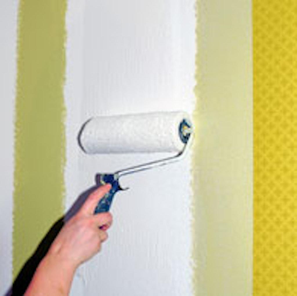 Rul lim på væggen i en banes bredde