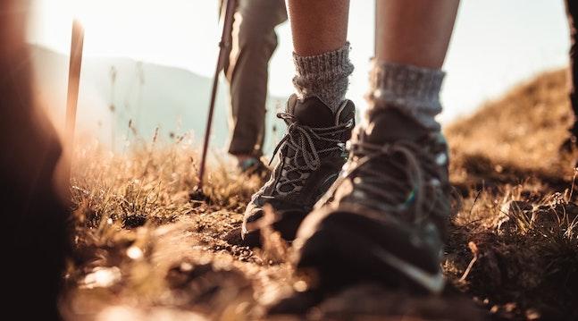 Benene strækkes på en vandretur